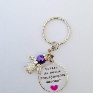 """Cabochon Schlüsselanhänger """"Willst du meine Brautjungfer werden"""" lila"""