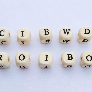 10 Stück Holzperlen Buchstaben natur