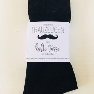 """Socken mit Banderole """"Für den Trauzeugen, gegen kalte Füße"""""""