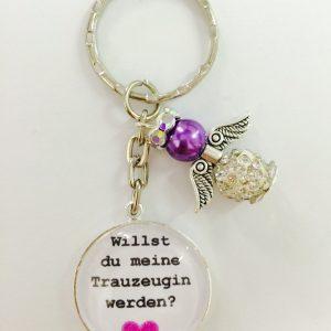 """Cabochon Schlüsselanhänger """"Willst du meine Trauzeugin werden"""" lila"""